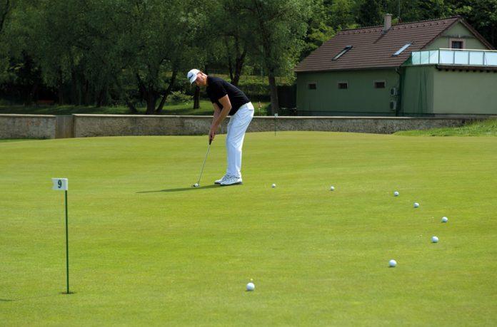 Jak trénovat patování na golfu